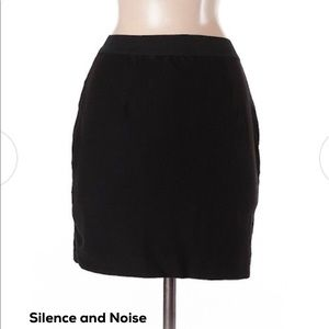 Silence and Noise Skirt size Small *LIKE NEW*